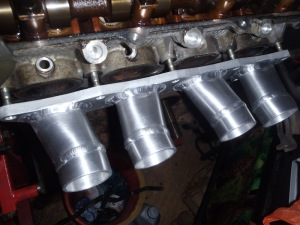 Inlet manifold fitting